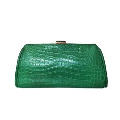 Our FOZAZA clutch in a emerald green Nile crocodile and labradorite clasp! #style #luxury #fashion #elegance #emerald #crocodile #labradorite #armcandy #eyecandy #musthave #instabag #instalove #photooftheday #bespoke #love #laykh 😍