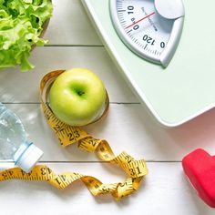 Diäten gibt es mittlerweile wie Sand am Meer. Doch kennt ihr schon die Regegade-Diät? Hier stehen gesunde Lebensmittel und Intervallfasten im Mittelpunkt...