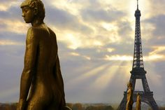 Tour Prince de Galles, a Luxury Collection Hotel, Paris with our photo gallery. Our Paris hotel photos will show you accommodations, public spaces & more. Paris Destination, Luxury Collection Hotels, Champs Elysees, Paris Hotels, Tour Eiffel, Virtual Tour, Oh The Places You'll Go, Paris France, Statue Of Liberty