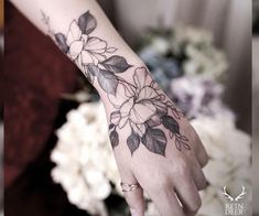 The 81 Most Gorgeous Blackwork Flower Tattoos Wrist blackwork flower tattoo. Blackwork flower tattoos are mysterious, dark and sexy.We have found the most stunning ones recently made and you are going to love them! Trendy Tattoos, Love Tattoos, Beautiful Tattoos, Black Tattoos, New Tattoos, Girl Tattoos, Tattoos For Guys, Wrist Hand Tattoo, Hand Tattoos
