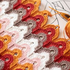 Learning a new crochet stitch. - Maren Rohling - Learning a new crochet stitch. Learning a new crochet stitch. Crochet Ripple, Crochet Motifs, Crochet Stitches Patterns, Tunisian Crochet, Knitting Stitches, Crochet Designs, Free Crochet, Stitch Patterns, Knitting Patterns