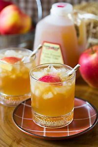 Bourbon Apple Cider Cocktail, Perfect Fall Drink!