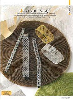 ampliar Bobbin Lacemaking, Bobbin Lace Patterns, Lace Bracelet, Lace Heart, Lace Jewelry, Jewellery, Textiles, Lace Making, Straw Bag
