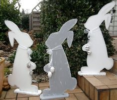 Bunnies - several good choices Spring Projects, Easter Projects, Spring Crafts, Holiday Crafts, Happy Easter, Easter Bunny, Easter Eggs, Bunny Crafts, Easter Crafts