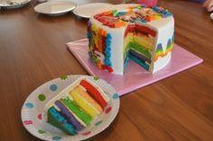 K3 regenboog taart. Die is gaaf!