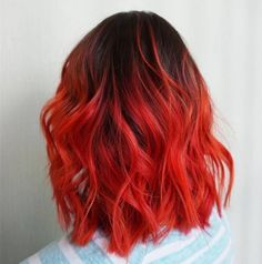Göndör haj color hair woman New: 20 pictures of hair color to stitch Hair Color Ideas Red Orange Hair, Dark Purple Hair, Short Bright Red Hair, Bright Hair, Dark Red, Dye My Hair, New Hair, Cool Hair Color, Red Hair Color