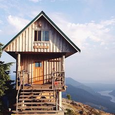 Did you know BC is home to Canada's longest (and only free) hut-to-hut trail system? Stunning views await along the Sunshine Coast Trail, like this one pictured at the Tin Hat Hut - the second highest of the backcountry cabins along this 180-kilometre route.  Photo: @larattan #exploreBC #explorecanada
