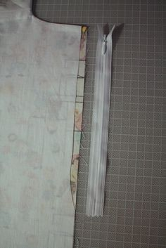 Rits installeren in topje met voering - spiegel aan de wand - -, via Flickr