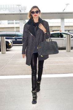 14 celebrities who know how to keep it chic even in the airport: Miranda Kerr.
