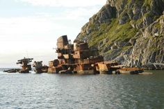 ClassicPics ‏@History_Pics  Wreck of Russian Battlecruiser Murmansk, which sunk in 1994, in Norway