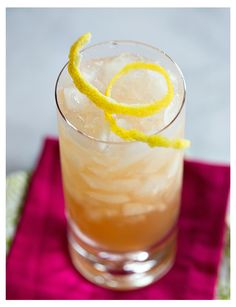 Chambord Spritzer - white wine, Chambord, lemon juice, and seltzer water! #drinks #cocktails | www.thedrinkkings.com
