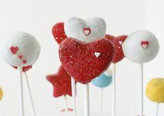 <3 Valentine's Day Cake Pops