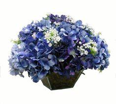 Arranjo de Hortênsias Azuis Floral Arrangements, Centerpieces, Floral Wreath, Room Decor, Wreaths, Creative, Flowers, Plants, Wedding