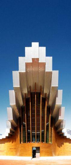 Bodegas Ysios (Architect: Santiago Calatrava) @ La Guardia, Spain