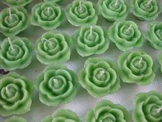 Velas rosas flotantes