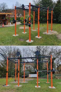 Rig in the backyard. Cross-training in the garden. Home Made Gym, At Home Gym, Crossfit Home Gym, Calisthenics Gym, Backyard Jungle Gym, Home Gym Garage, Outdoor Fitness Equipment, Home Gym Design, Boxing Gym