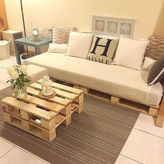 Now you can earn use of recycled pallet wood to create innovative and more handy parts of furniture for coffee table. There are two major varieties of wood pallets. 1 important thing with pallet furniture is you will want to finish it. Diy Sofa, Diy Pallet Sofa, Wooden Pallet Furniture, Diy Pallet Projects, Wood Pallets, Recycled Pallets, Pallet Ideas, Pallet Tables, 1001 Pallets