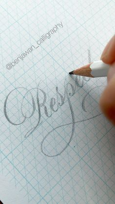 Calligraphy Lessons, Calligraphy Tutorial, Copperplate Calligraphy, Hand Lettering Tutorial, Calligraphy Handwriting, Calligraphy Alphabet, Pencil Calligraphy, Penmanship, Caligraphy