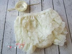 Ivory Lace Bloomers with Satin Flower Headband #theroguebaby