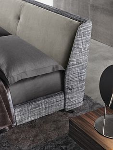 Smink Incorporated | Products | Beds and Bedroom Furniture | Minotti | Spencer Bed