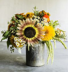 The White House is picking a new florist—will they use local flowers?  | A blog by Sunset (bouquet by Farmgirl Flowers)