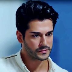 He seriously reminds me of someone🤔 Turkish Men, Turkish Beauty, Turkish Actors, Beautiful Men Faces, Gorgeous Men, Men Hair Color, Burak Ozcivit, Kino Film, Hot Actors