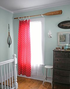 How to make a #DIY curtain rod from a single oar, #crafts