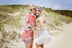 Beach pic, twin pic idea, best friends pose