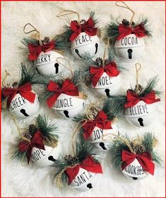 Custom Christmas Ornaments, Handmade Christmas Decorations, Christmas Crafts For Kids, Holiday Crafts, Christmas Diy, Farmhouse Christmas Ornaments Diy, Diy Tree Decorations, Christmas Christmas, Handmade Ornaments