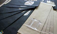 Papierbeutel in Schwarz aus FSC Papier. In zwei Grössen erhältlich. Schau vorbei im Shop und lass dich Inspirieren! #handelgruen #ecobiopackaging #verpackung #sustainable #wecare #switzerland