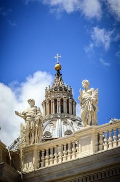 Peter dome, Vatican city - Rome, Italy ♠ by Andrea Caslini on 500 px Most Beautiful Cities, Beautiful Buildings, Rome Travel, Italy Travel, Places In Italy, Places To Go, Juan Xxiii, Vatican Rome, St Peter's Church