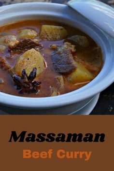 Massaman Beef Curry Curry Recipes, Wine Recipes, Indian Food Recipes, Asian Recipes, Real Food Recipes, Yummy Food, Thai Recipes, Massaman Curry Paste, Beef Curry
