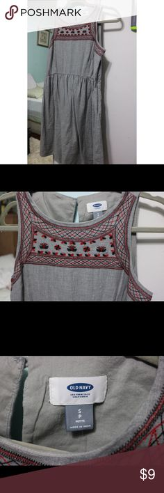Old navy gray dress Sleeveless embroidered top part, has zipper on the side. Has button on the back. And is size small Petite Old Navy Dresses