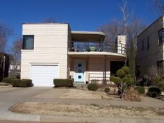 1940s Modern home. Example of atypical elements being used in its construction (for example, cement).  http://okcmod.com/?page_id=1088