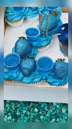 Girl Birthday Decorations, Birthday Cake Decorating, Cake Decorating Tips, Birthday Ideas, Custom Birthday Cakes, Adult Birthday Cakes, Birthday Cupcakes, Alcohol Birthday Cake, Alcohol Cake