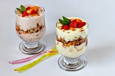 YOGHURT WITH NUTS AND FRUITS