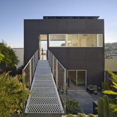 The perfect entry to discourage women in stilletos. 20th Street Residence  by SFOSL