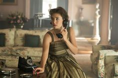 In 'The Crown,' a Young Queen, but a Young Woman, Too - The New ...