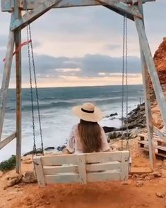 Beautiful Beach Pictures, Beautiful Photos Of Nature, Beautiful Places To Travel, Eerie Photography, Aesthetic Photography Nature, Sky Aesthetic, Aesthetic Movies, Cute Love Songs, Beautiful Songs