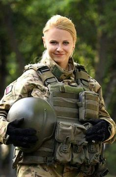 9 Most Attractive Female Armed Forces Idf Women, Military Women, Female Soldier, Female Pilot, Army Soldier, Female Girl, Military Girl, Military Police, Warrior Girl