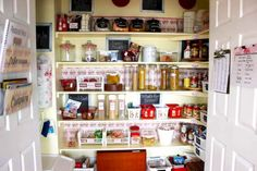 Nice 42 Creative Diy Kitchen Storage Ideas For Small Space. More at http://decoratrend.com/2018/02/15/42-creative-diy-kitchen-storage-ideas-for-small-space/