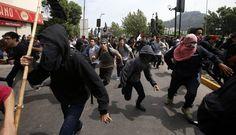 batalla campal entre estudiantes y Policía en Chile dejó decenas de detenidos.