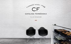 Catalina Fernández, a popular bakery in Mexico recently underwent complete branding and design overhaul. I'm in love with the sleek, sexy lines and beautiful austerity embodied by this space that does an incredible job of integrating conceptual design and food culture. Found on yatzer.com.