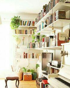 """""""Her tarafımda kitaplar olmalı. Çünkü kitaplar bir odanın ruhudur, orada yaşayan kişinin ilgilendiği her şeyi ve sırlarını ortaya çıkarır."""" Moda Tasarımcısı Diane von Furstenberg. �� #kitap #kütüphane #book #bookshelf #dekorasyon #dekorasyonfikirleri #ev #evdekorasyonu #evinetapanlarkulubu #evimgüzelevim #interior #interiordesign #decoration #decorationideas #home #homedecor #homedesign #homelover #homesweethome #instagood #instahome #instadesign #instadecor #miodeko…"""