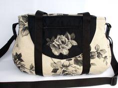 Schnabelina, Tasche, Gothic von Bluebirdys Nest - Handgemachte Taschen für Dich  auf DaWanda.com