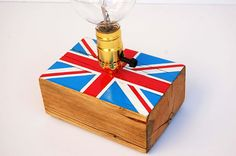 Union Jack_Unique handcrafted table lamp from reclaimed wooden