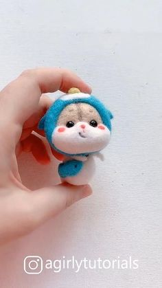 20 Pretty Doll Diy Ideas and Crafts Part 13 - DIY Creative Ideas - Hello this time I will share a DIY video tutorial made a doll that you can emulate at home - Needle Felting Supplies, Needle Felting Tutorials, Diy Crafts Hacks, Diy Arts And Crafts, Needle Felted Animals, Felt Animals, Felt Diy, Felt Crafts, Pretty Dolls