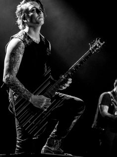 Avenged Sevenfold Wallpapers, M Shadows, Synyster Gates, Escape The Fate, Star Wars, The Rev, Cute Celebrities, Women In History, Band Memes