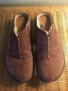 d32262401bb 27 Best Slippers images in 2019