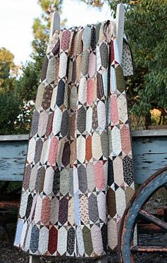 Temecula Quilt Co: February 2010.....have this pattern, need to make it someday....